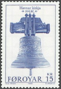The bell in Tórshavn Cathedral was taken from the wreck of the Norske Løve.